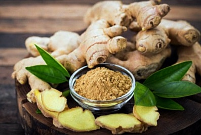 Applying chewed Ginger or Garlic root directly to a tooth affected by a toothache may offer temporary relief from the pain.